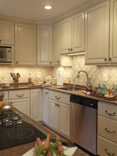 Traditional Kitchen Backsplash Design, Pictures, Remodel, Decor and Ideas - page 8