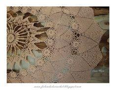 Toalha de mesa redonda em crochê