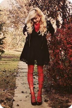 I think I want to start wearing a lot of tights ans skirts this winter.