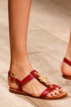 Valentino Spring 2014 rtw #shoes #flats