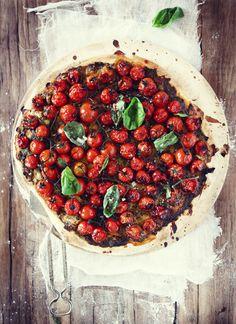 balsamic tomato basil pizza