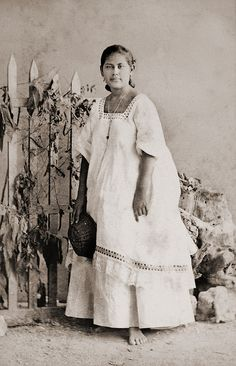 Mexican Girl - visit us on line at www.mainlymexican... and on eBay #Mexican #Mexico #antique #vintage #photography #women