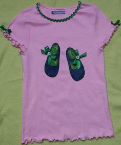 Camiseta con aplicaciones http://elbalcondeanabelen.blogspot.com.es/2013/04/camisetas-para-ninas.html