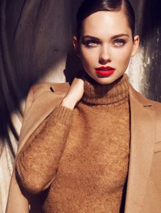 shades of camel with a vibrant lip - so chic