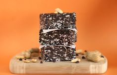 Dark Chocolate Peanut Butter Fudge Granola Squares: [no bake, sugar free, high fiber/protein, GF, vegan]