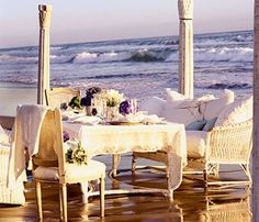Google Image Result for http://www.brides.com/images/editorial/2004_brides_receptions/03_p086_wedonthebeach/00_main/001_primary.jpg