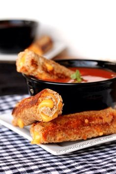 EASY grilled cheese roll ups