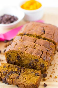 Vegan Pumpkin Chocolate Chip Bread is made with delicious homemade pumpkin puree, refined sugar free, vegan and gluten free! This bread is soft, decadent AND healthy!