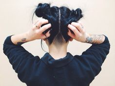 divine-macabre: Wore my hair like this today for the 1st time since I was probably 7…and I am obsessed!