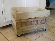 pallet bin - possibly for gardening stuff in the yard?