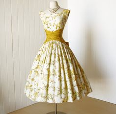 vintage 1950's dress ...fabulous GOLDEN FLORAL garden by traven7