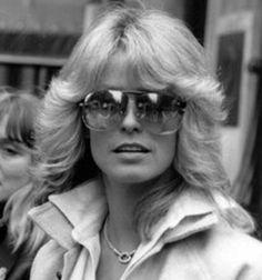 Farrah rocks aviator sunglasses!