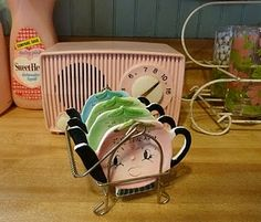 Retro tea bag holders
