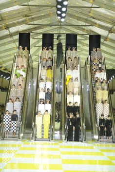 Louis Vuitton RTW Spring 2013 [Photo by WWD Archive]