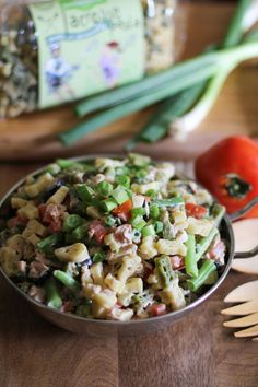 Tuna Pasta Salad with Green Beans is not your mama's pasta salad. We ...
