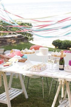 Streamers over table <3