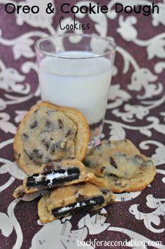 Oreo Stuffed Cookie Dough Cookies #oreo #cookiedough #cookies #dessert #easy