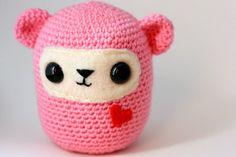 """Cute"" Free Amigurumi Pattern http://roxycraft.com/crochet_cute.htm"