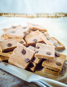Healthy Peanut Butter + Chocolate Fudge (No Dairy or Sugar) - GoodnessGreen