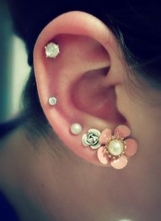 Hot cartilage and lobe piercings