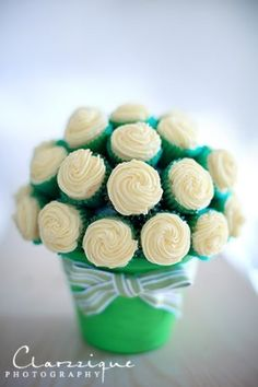 Flower pot cake, can be used as centerpiece for party tables..
