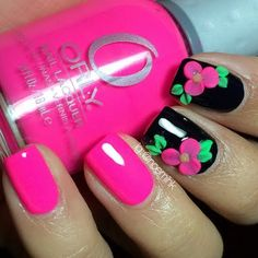 This floral design is too cute! #nails #manicure #mani #nailart