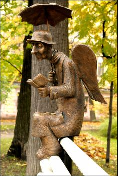 There's an angel reading in the park