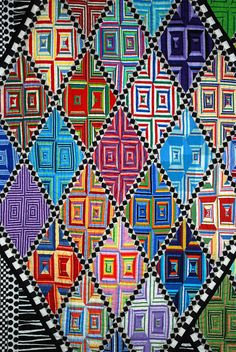 close up, Diamonds are a Girl's Best Friend by Jo Barry, photo by Sarah Fielke.  2010 Houston International quilt show