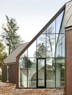 This copper-clad house will change colour over time houses, architects, design interiors, glass, hous vdv, belgium, architecture, graux baeyen, baeyen architecten