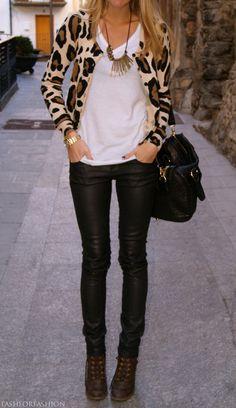 Leopard sweatah...