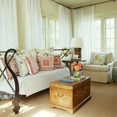 coffee tables, pillow, small living rooms, bed, living room designs, window treatments, small space, curtain, sunroom