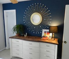BEST DIY sunburst mirror I've seen! I think this might be the one I try! :)