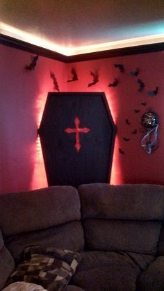 Coffin lid in corner with light source. Awesome idea.