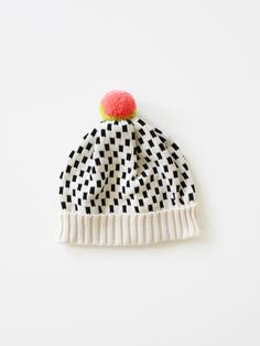 accessori, knitted hats, black white, dash dot, anni larson, beanie hats, knit hats, dot hat, dots hat