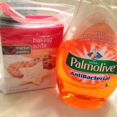 Baking soda and antibacterial dish soap. Best tub cleaner EVER!