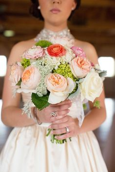A bouquet of Juliet garden roses and hydrangeas | Photo by Sheradee Hurst | Floral design by Trochta's Flowers