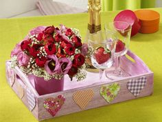 heart-decorations-table-decorating-ideas-valentines-day
