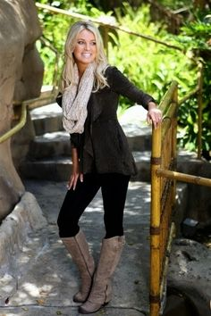 Fall outfit ideas/ look. Black skinny pants. Tall brown boots. Adorable fall fashion in black with neutral accessories