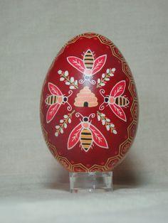 Hived bees - hand painted goose egg by HankyPysanky via Etsy egg pysanka, hive bee, goos egg, honey bee, beauti bee