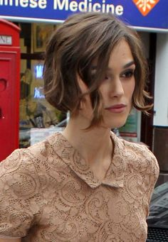 Keira Knightleys wavy bob hairstyle