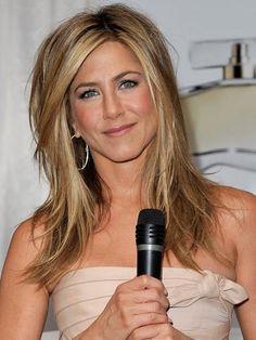 Celebrity hairstyle of the day - July :: Handbag.com|Jennifer Aniston's choppy layered hairstyle {slide 7 of 23}