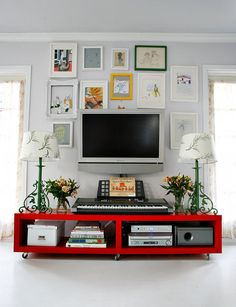 Photo gallery around TV decor, living rooms, idea, tv walls, frame, galleri, gallery walls, hous, tvs
