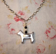 My cookie cutter (mini) necklace project... (HW) christma