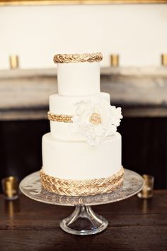I love gold accents on cake. It transports it to the 1920's instantly.