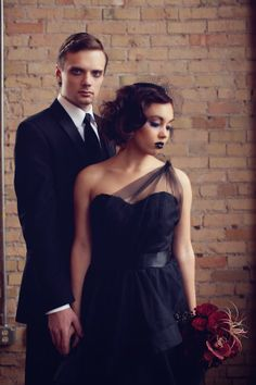 Stunning red and black themed gothic wedding  |  The Frosted Petticoat