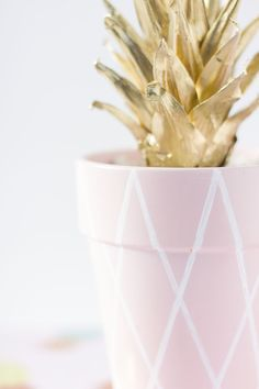 DIY PINK PINEAPPLE P