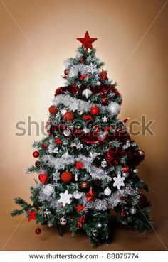 Christmas deco ideas on pinterest 38 pins - Christmas tree silver and red ...
