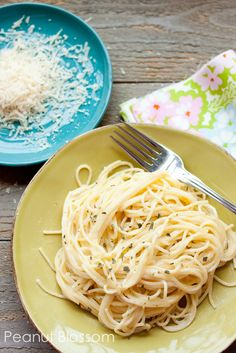 Quick and Easy Alfredo Sauce: bloggers says this is the best homemade Alfredo sauce she's ever made!