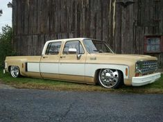 1975 Chevy Dually
