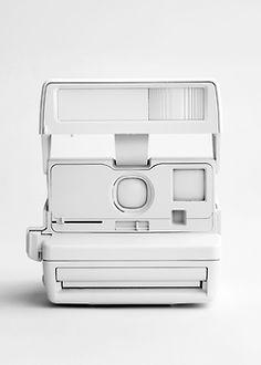#AdditionElleOntheRoad  White camera